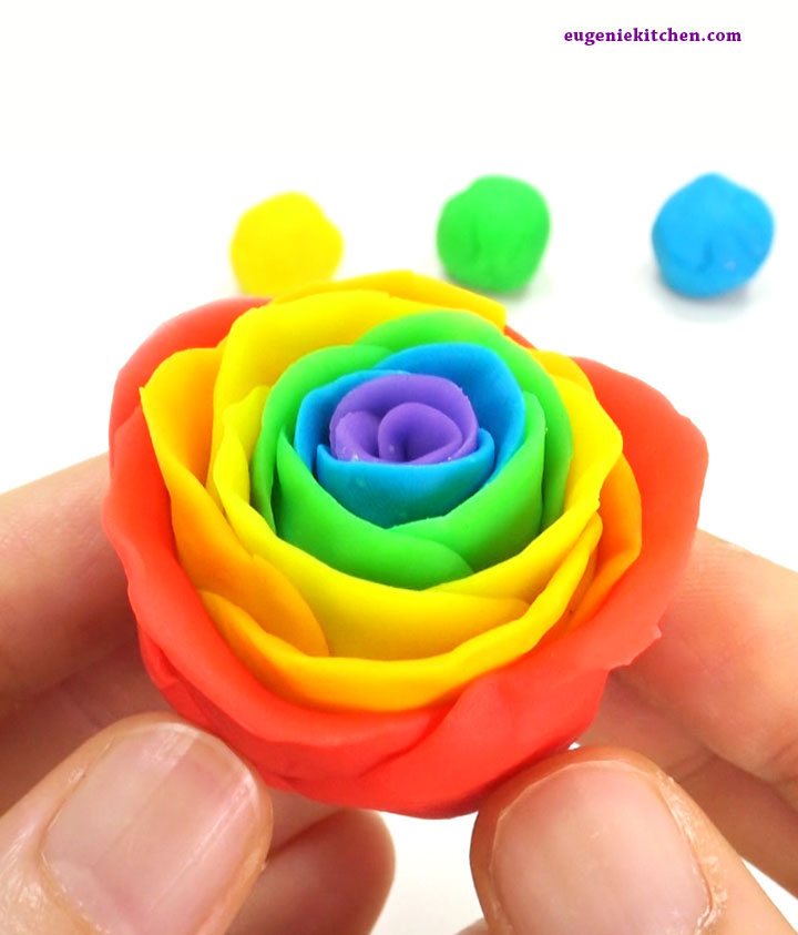 How to make rainbow roses for cake decoration eugenie for What are rainbow roses